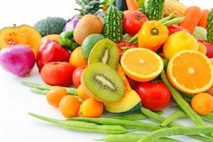 野菜、果物を多めに食べる